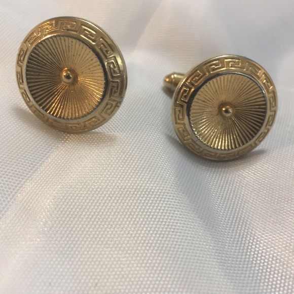 Vintage Other - Gold Tone Cuff Links With Greek Boarder